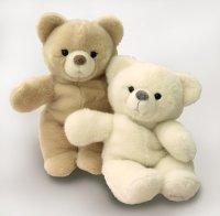Kösener-Teddy Sandy (im Bild links)